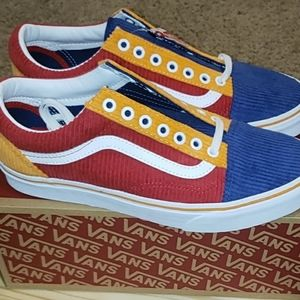 New vans  old skool sneaker.  Size 10.5 men.
